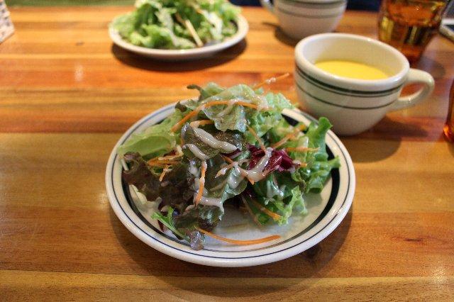 セットのサラダとスープ@SLOW TABLE