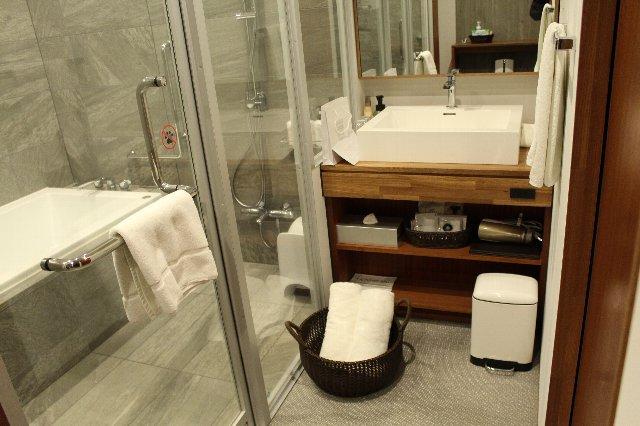 フォレストテラスモデレートのお風呂と洗面所